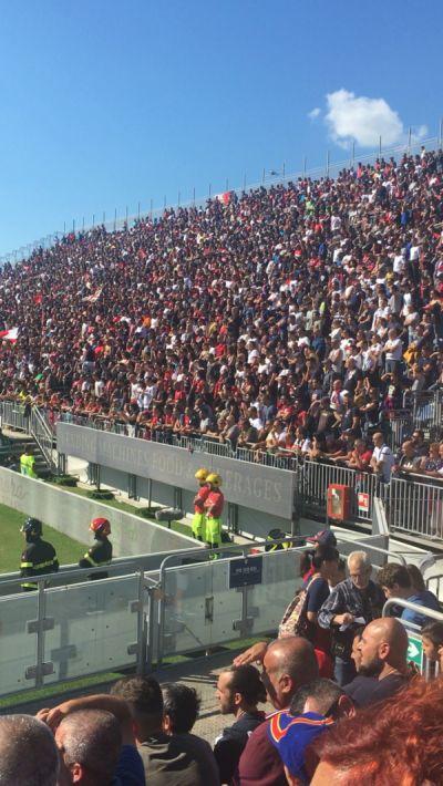 Fotbal v Cagliari a plný kotel